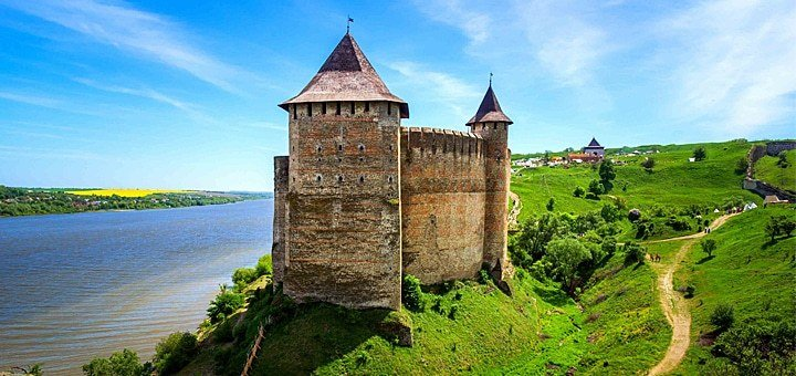 Сказочный тур в Черновцы, Каменец-Подольский, Хотинскую крепость от туроператора «Лотос Тревел»!