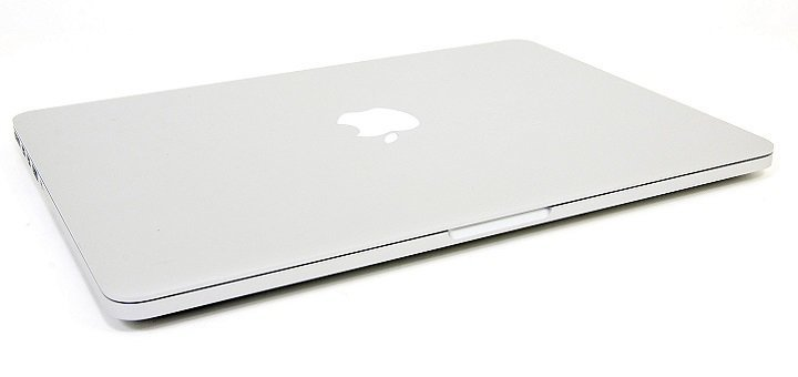 Подарки ко дню Святого Николая! Купи iPhone7+MacBook Pro и получи скидку 300 грн. и защитное стекло в подарок!