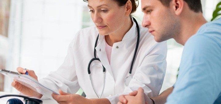 Обследование у врача-уролога в медицинском центре «ИБН СИНА+»