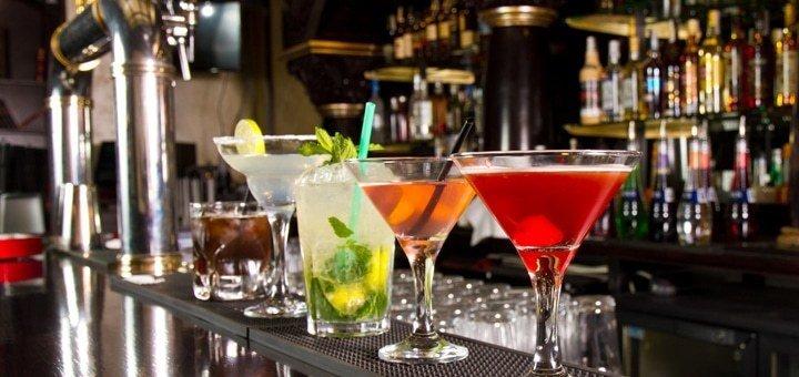 Скидка до 67% на кальян, коктейли или чай в мужском клубе «Burlesque Cabaret» на Маяковского