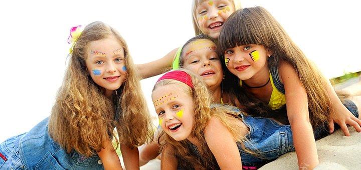 Незабываемое лето для ребенка! Детский отдых с изучением английского в лагере под Киевом. Питание, скаутинг, бассейн!