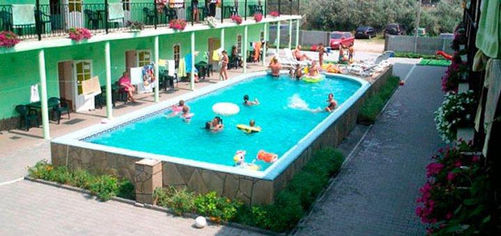 От 3 дней отдыха в июне в номерах Люкс отеля «Вилла Виктория» на Арабатской стрелке