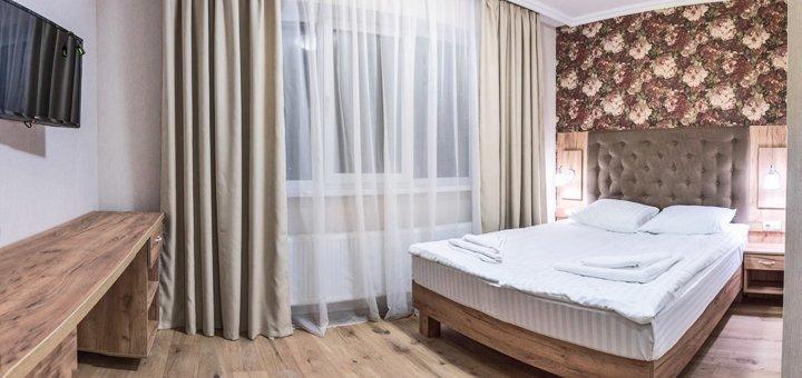 От 3 дней отдыха в горнолыжный сезон с питанием и сауной в отеле «Рандеву» в Славском