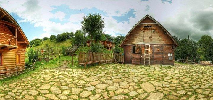 От 3 дней отдыха с питанием и прогулкой на лошадях в коттеджах комплекса «4 сезона» в Славском