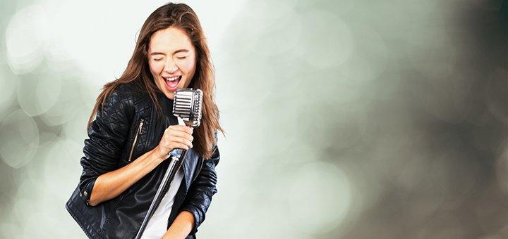 До 8 индивидуальных занятий вокалом в школе «Ikar»