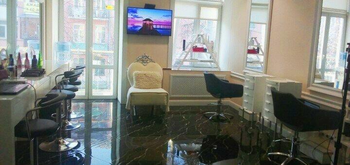 Макияж и причёска для выпускниц в салоне красоты «AVRA beauty studio»