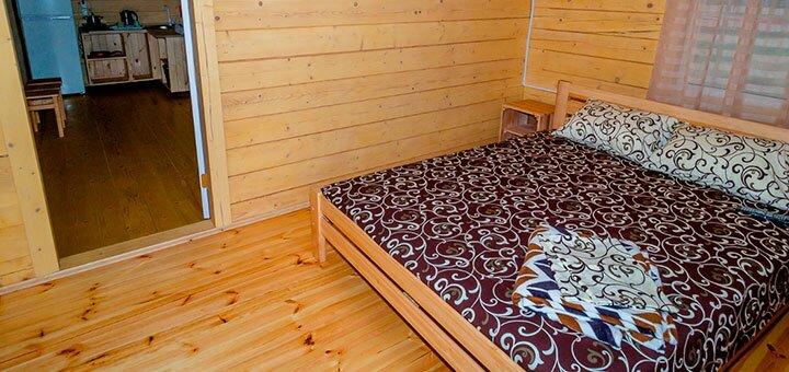 От 3 дней в номере люкс на базе отдыха «Грачи Прилетели» на Азовском море