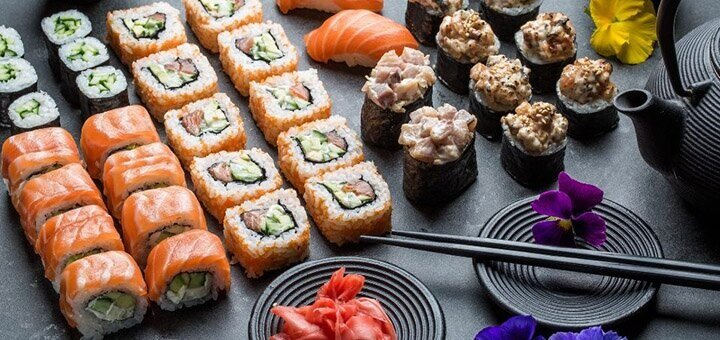 Скидка 50% на меню кухни, суши-бар, пиццу в ресторане «Mafia»