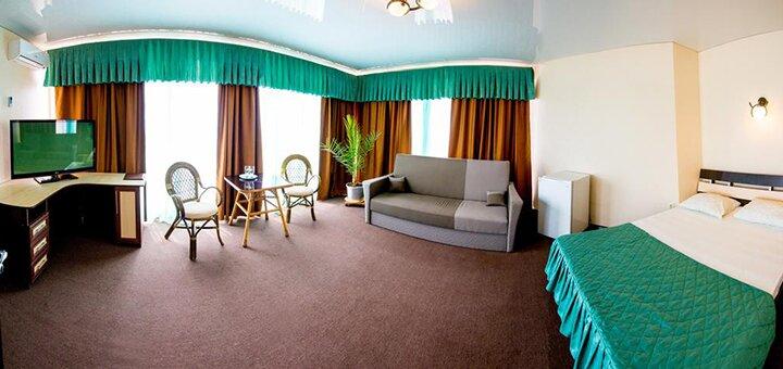 От 3 дней отдыха в июне с бассейном под открытым небом в отеле «27 Жемчужин» в Железном Порту