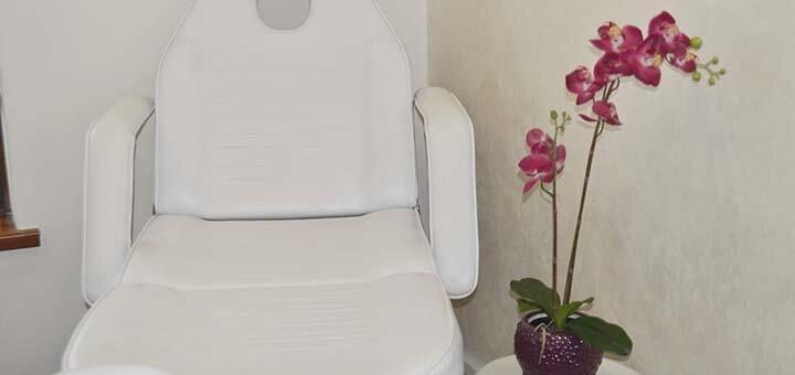 Маникюр с покрытием гель-лаком от салона красоты «VIS-A-VIS beauty centre»
