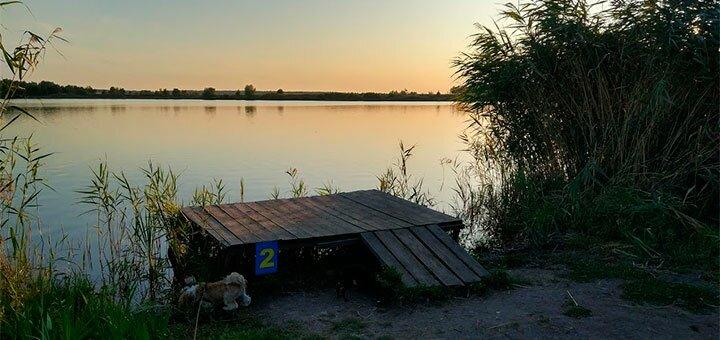 Рыбалка с помоста с арендой лодки, беседки и мангала на озере Глория в «Gloriya Fishing»