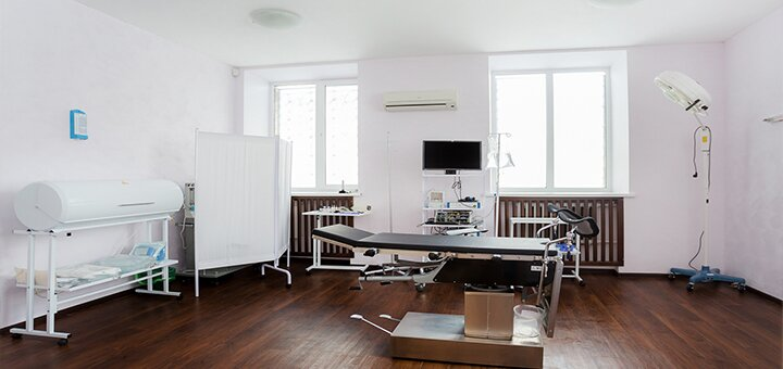 Базовое или комплексное обследование у дерматолога в медицинском центре «EvoClinic»