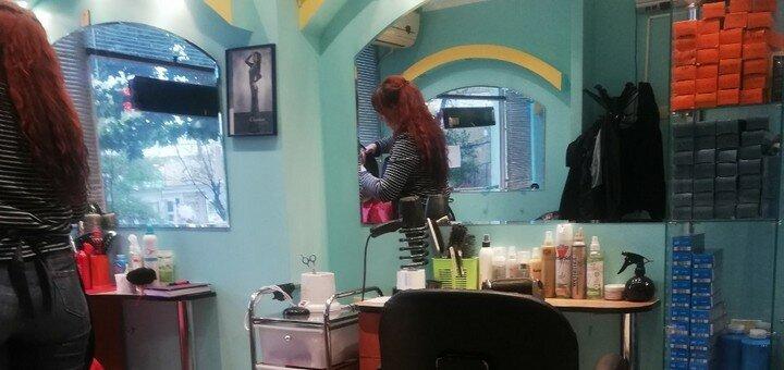 Полировка, выравнивание или шелковое наполнение волос, контурная стрижка и укладка в «Гламур»