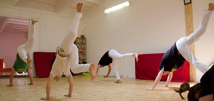 До 24 тренувань з капоейри для дорослих та дітей у центрі капоейри «Dende»