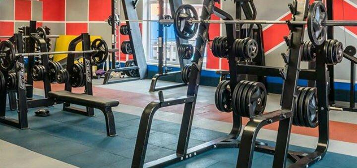 До 6 місяців відвідування тренажерного залу у центрі «Squash Fit Center»