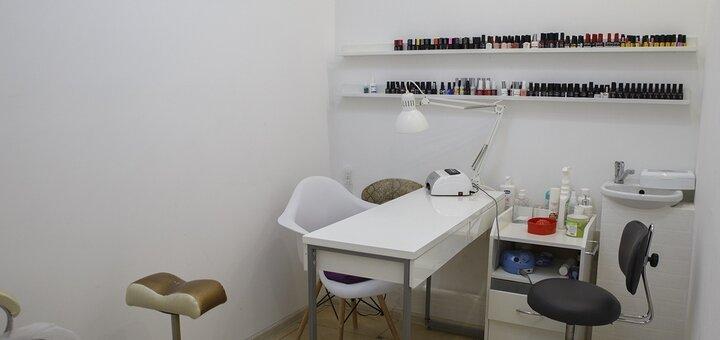Комплексный маникюр и педикюр с покрытием в салоне красоты «Buro105»