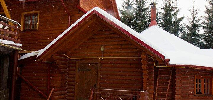 От 4 дней отдыха с питанием и сауной в комплексе отдыха «Лилиана» в Славском