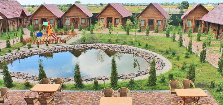 От 2 дней отдыха с завтраками и сауной в загородном комплексе «Райский дворик» в Киеве